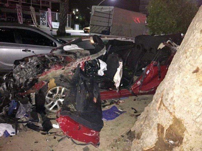 Antalya'da Feci Kaza:1 Ölü, 4 Yaralı