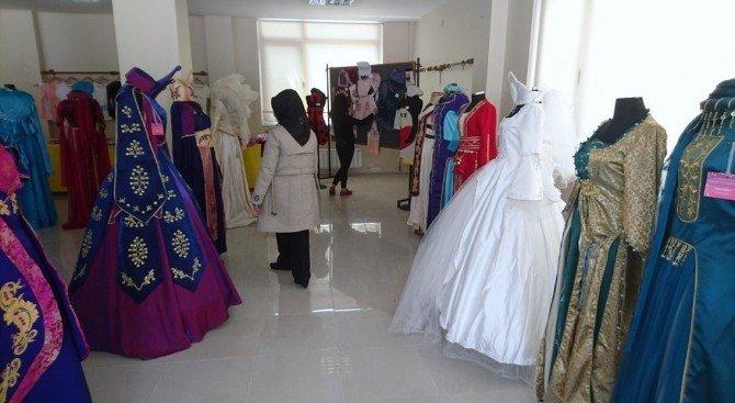 Giyim Sergisine İlgi