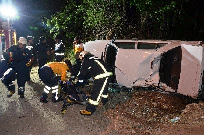 Polis Kontrolünden Kaçmak İsterken Kaza Yaptı