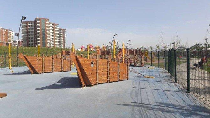 Atatürk Kent Park'ta Eğlence Araçları Hizmete Başladı