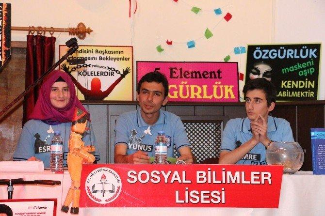 Liselerarası Münazara Yarışması Yapıldı