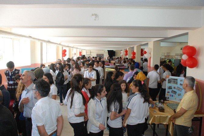 Anadolu Lisesi Bilim Fuarı Gerçekleştirildi