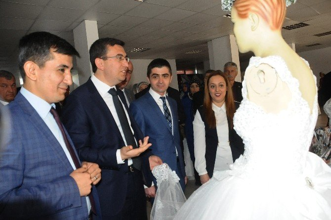 Saltukova'da Dikiş-nakış Sergisi Yapıldı