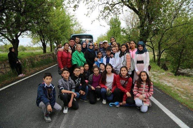 Melikgazi Belediyesi Çocuk Meclis Üyeleri Kızıltepe'de Sabah Sporuna Çıktı