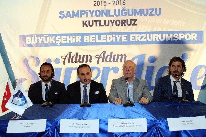 Büyükşehir Belediye Başkanı'ndan Şampiyon Futbolculara Daire Sözü