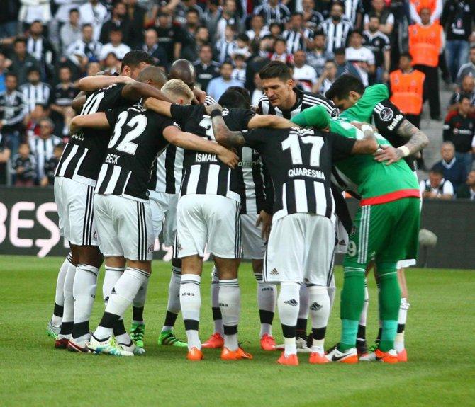 Beşiktaş: 3 - Kayserispor: 0 (İlk yarı)