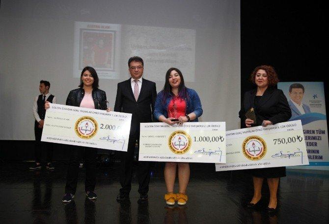Türkiye'nin Genç Yazarları Ödüllendirildi