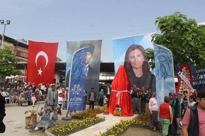 Karpuzlu'da Türkiye'nin İlk Kadın Muhtarının Büstü Açıldı