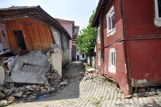 Heyelan, Bir Mahalleyi Savaş Alanına Çevirdi