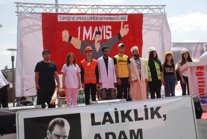 Konya'da 1 Mayıs kutlamasında bir grup, HDP'lilere tepki gösterdi