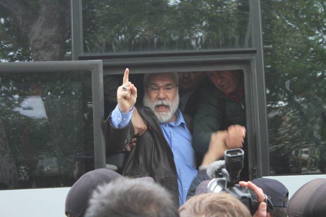 Taksim'e yürümek isteyen gruba Beşiktaş'ta gözaltı
