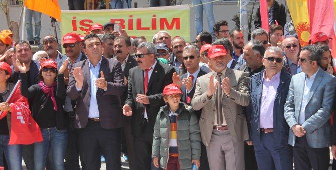 Sivas'ta 1 Mayıs kutlamalarında kısa süreli gerginlik