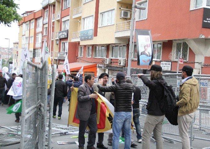 """""""Öcalan"""" Posteriyle Alana Girmek İsteyen HDP'li Gruba Müdahale"""