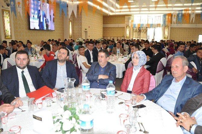 AK Gençlik Mahalle Başkanları Buluştu