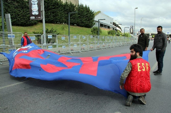 Bakırköy'de 1 Mayıs Korteji İçin Hazırlıklar Başladı