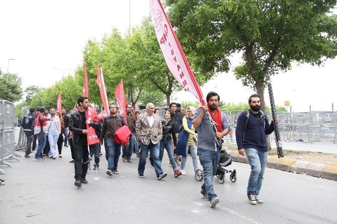 Bakırköy'deki 1 Mayıs Kutlamalarında, Vatandaşlar Dağılmaya Başladı