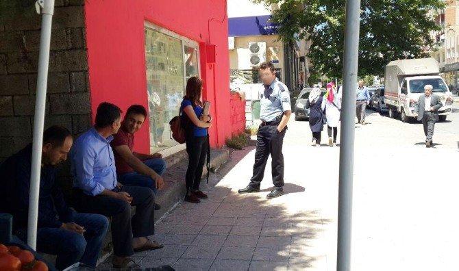 Bölgesel Gazete Muhabiri Genç Kız, Polisi Harekete Geçirdi