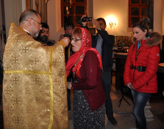Edirne'deki Bulgar Sveti Georgi Kilisesi'nde Paskalya ayini