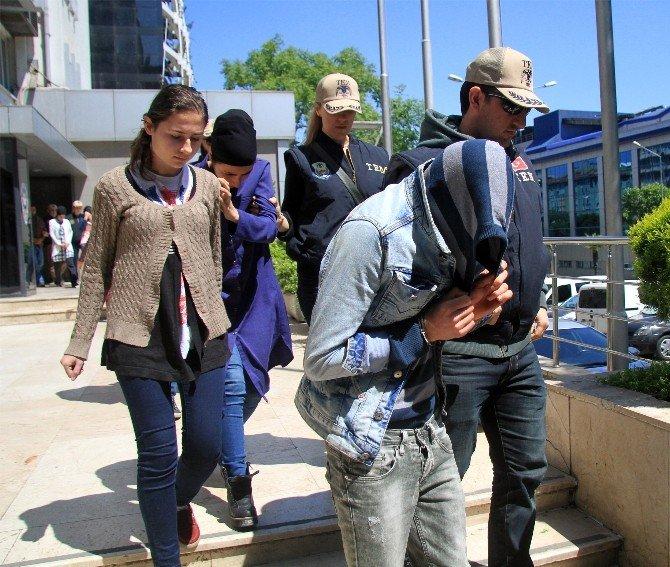 Bursa'daki Canlı Bomba Saldırısıyla İlgili 17 Kişi Adliyeye Sevk Edildi