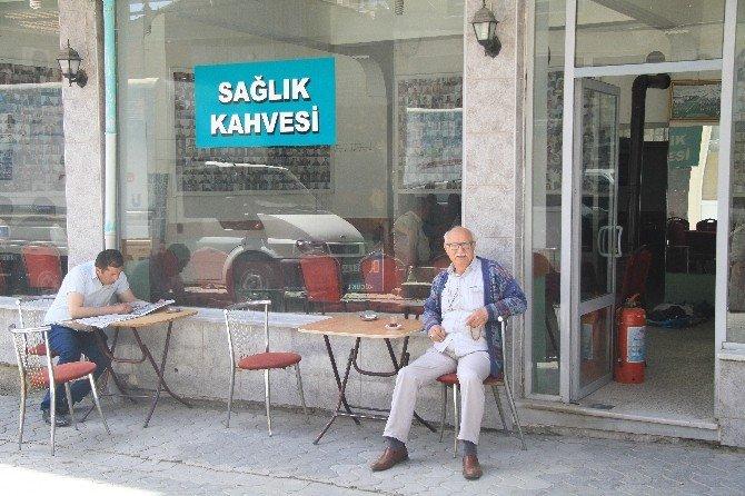 Nüfus Kütüğü Gibi Kahvehane