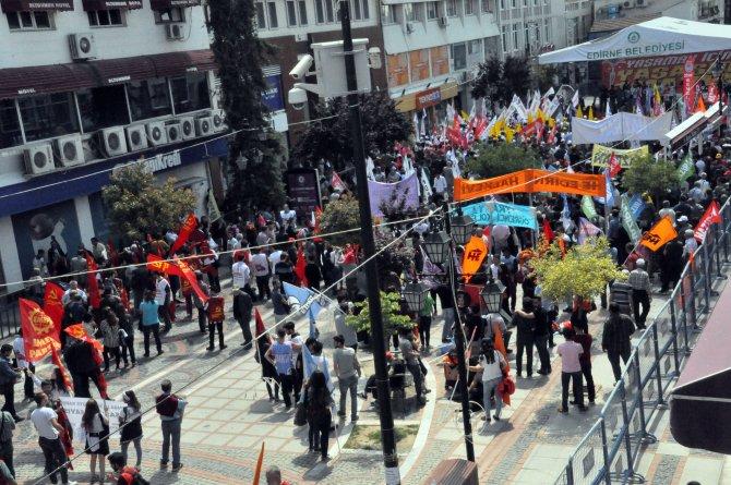 Edirne'de 1 Mayıs kutlamaları yürüyüşle başladı halayla bitti
