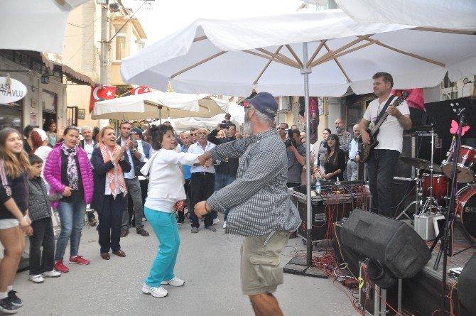 Urla'nın Turizmine Enginar Festivali Dopingi