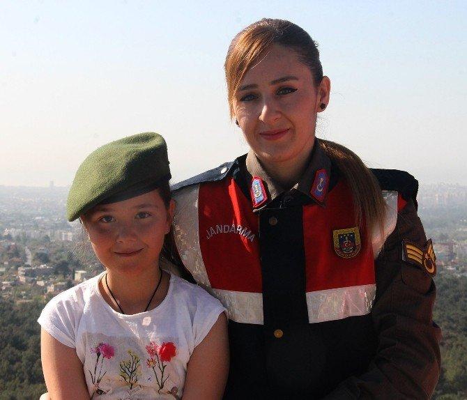 -Jandarma Başarılı Öğrencileri Hayvanat Bahçesine Götürdü
