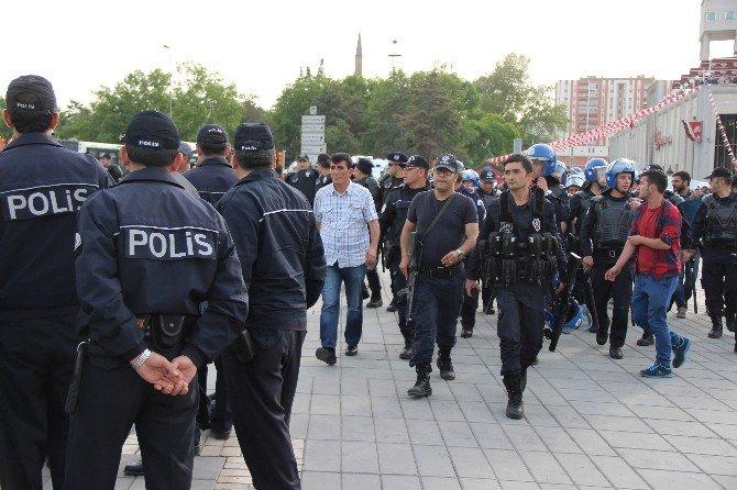 Kayseri'de 1 Mayıs Kutlaması Sonrasında Gerginlik Yaşandı