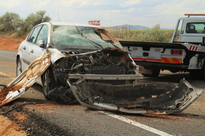 Kırşehir-Kayseri karayolunda trafik kazası: 2 yaralı