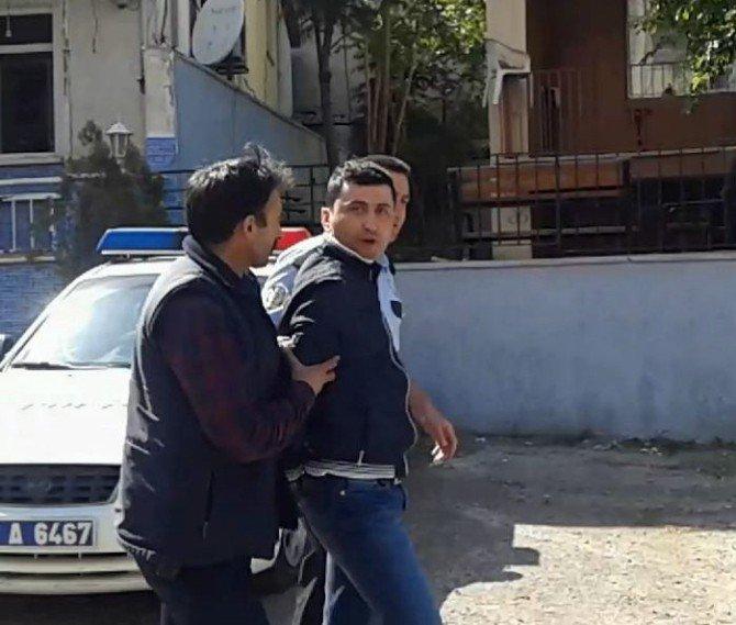 Kendilerini Dolandıran Cezaevi Firarisini Yakalayıp Jandarmaya Teslim Ettiler