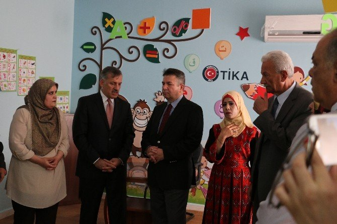 Ürdün'de Bulunan Filistin Mülteci Kampı Rehabilitasyon Merkezine TİKA'dan Destek
