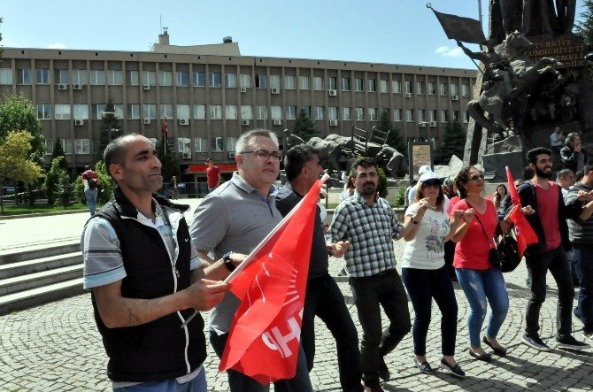 Uşak'ta 1 Mayıs İşçi Ve Dayanışma Günü