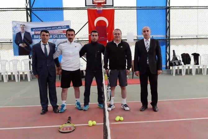 Valilik Kupası Kort Tenis Turnuvası Başladı