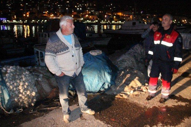 Balıkçı Barınağındaki Baraka Alev Alev Yandı