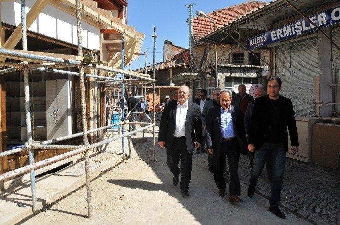 Akşehir Tarihi Arasta Çarşısı Eski Görkemine Kavuşuyor