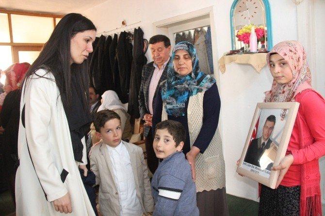 Karaaslan Havzalı Şehidin Ailesini Ziyaret Etti