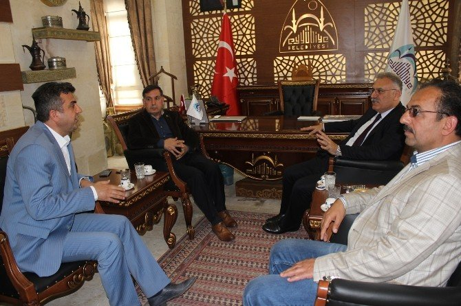AK Partili Yüksel Eyyübiye Belediyesini Ziyaret Etti
