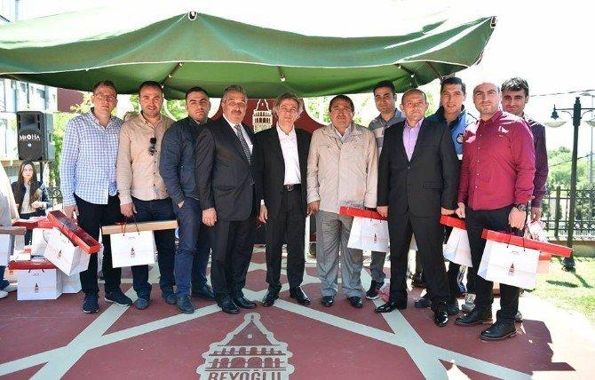 Başkan Demircan, Belediye Çalışanlarıyla Doğum Günü Pastası Kesti