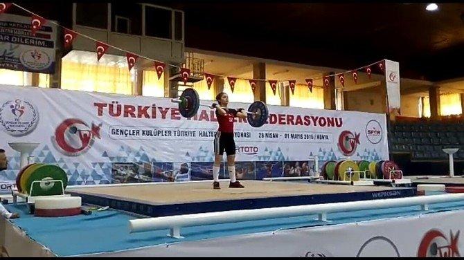 Buse İlhan Türkiye İkincisi Oldu