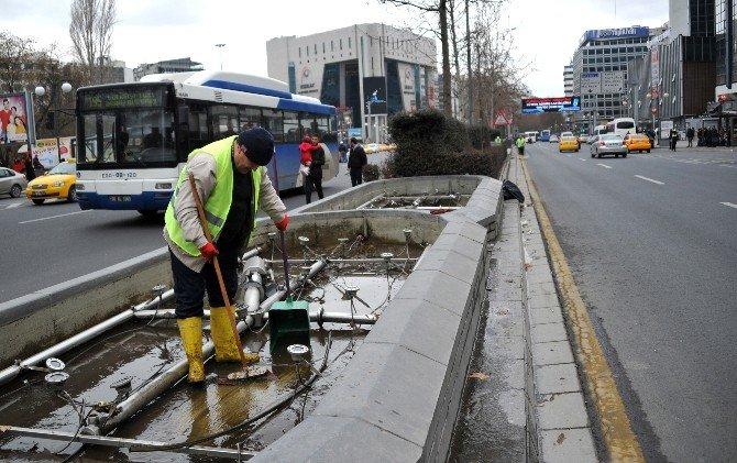 Büyükşehir'den Havuz Bakımı Ve Temizliği