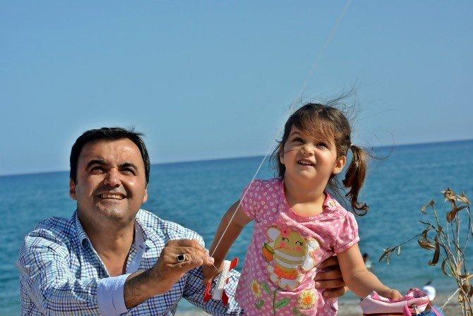 Antalya Semalarında Uçurtma Bayramı