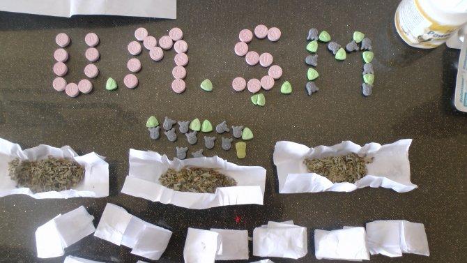Uyuşturucu madde satışı yapan 2 kişi tutuklandı