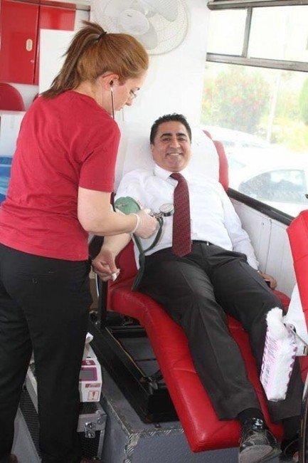 Kan Bağışı Sonrası Her Şehit Adına Bir Fidan