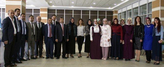Eş Başkandan Kızların Sergisine Ziyaret