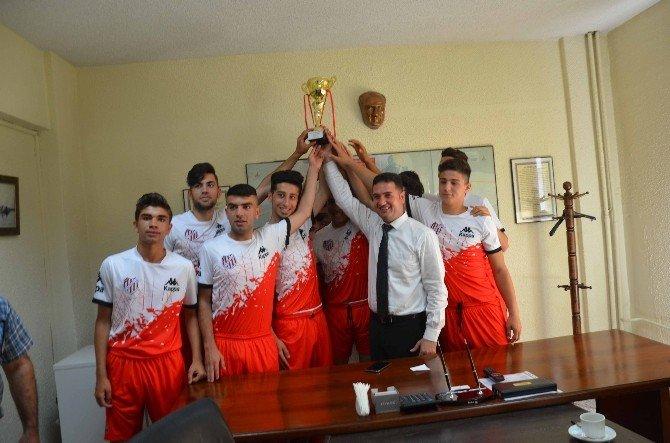 Ataşbak'tan Gençlerbirliği Kulübüne Destek