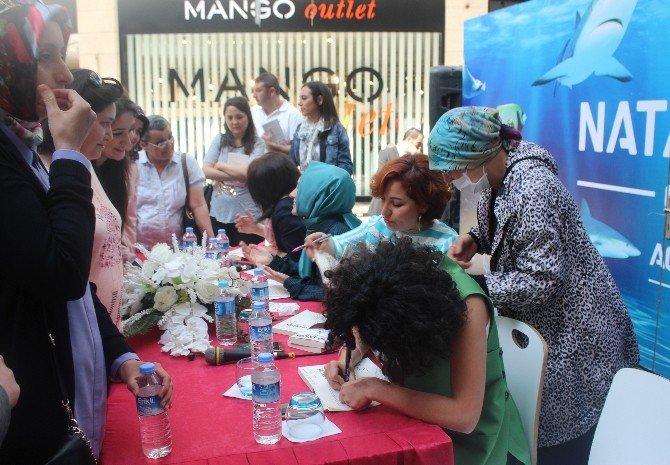 '10 Amazon Yüksek Doz Yaşam' Yazarları, Nata Vega Outlet'te İmza Gününe Katıldı