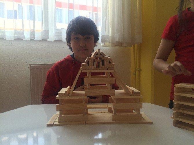 Öğrenciler, Akıl Oyunları Dersinde Mimar Oldu