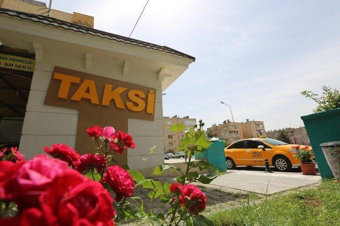 Şanlıurfa'da Modern Taksi Durakları Yapılıyor