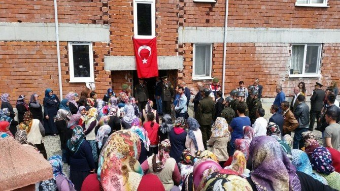 Şehit Uzman Çavuş Burak Saraçlı'yı On Binler Uğurladı
