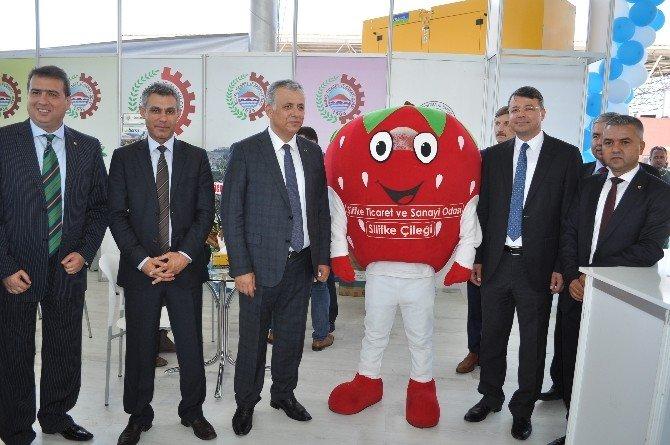 """Başkan Turgut: """"Köylümüzün Ve Çiftçimizin Yanındayız"""""""